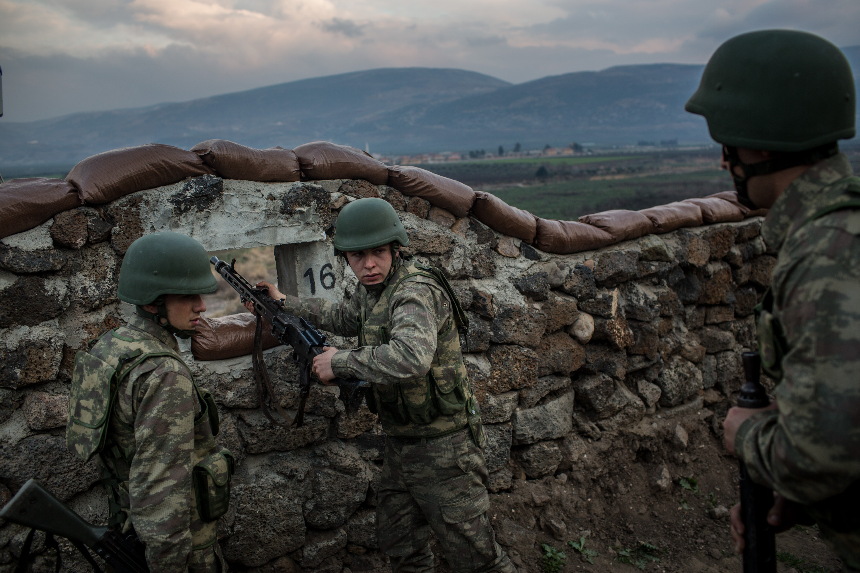Turkish Military Demonstrate New Syrian Border Measures